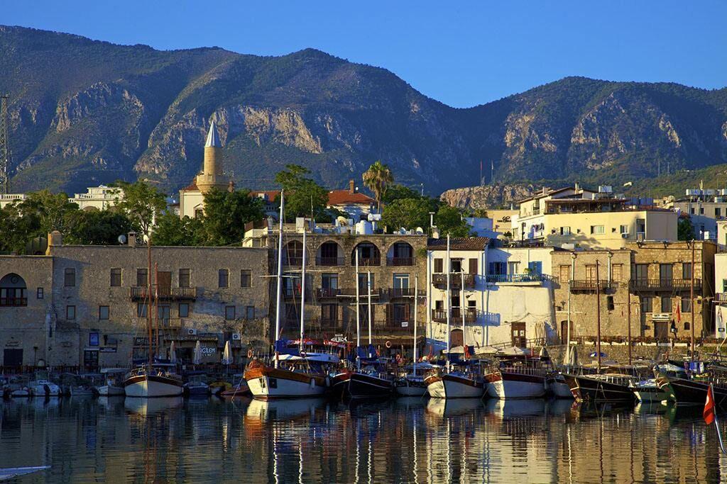 塞浦路斯护照项目将变政,身份原因是关键